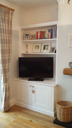 Classic fitted alcove unit